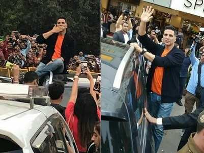 Watch fans go crazy as Akki promotes 'Kesari'
