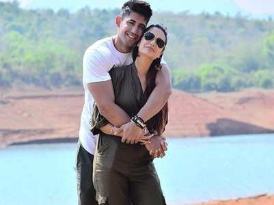 Divya Agarwal's romantic pics with Varun