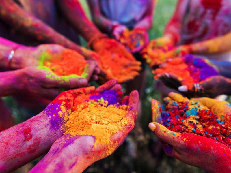 Happy Holi 2019: Puja Vidhi, Puja Samagri, Holika Dahan Timings in India