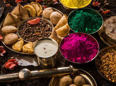 Here is how you can maintain your diet this Holi