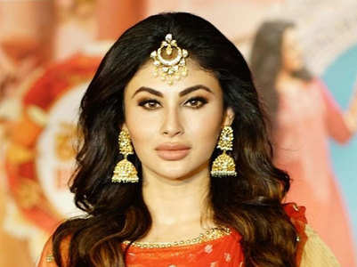 Mouni angry at airline employee's behaviour