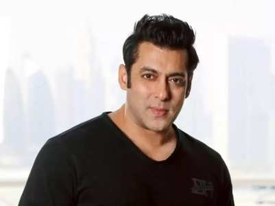 Salman wishes fans a happy and colourful Holi