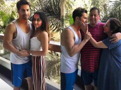 Photo: Varun celebrates Holi with Natasha