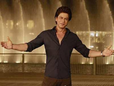 Shah Rukh Khan wishes everyone a Happy Holi