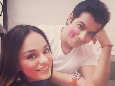 Ssharad celebrates Holi with wife-to-be