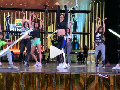 Watch Kriti's rehearsals for Filmfare Awards