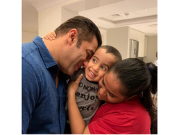 This adorable click of Salman Khan, Arpita Khan Sharma and Ahil Sharma  is too cute to handle