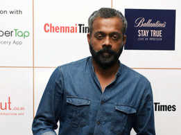 Is GVM Dhruv's father in Aditya Varma?