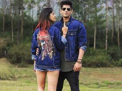 Divya-Varun twin in stylish denim jackets