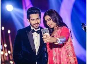 Shreya Ghoshal unites with Armaan Malik for the first time