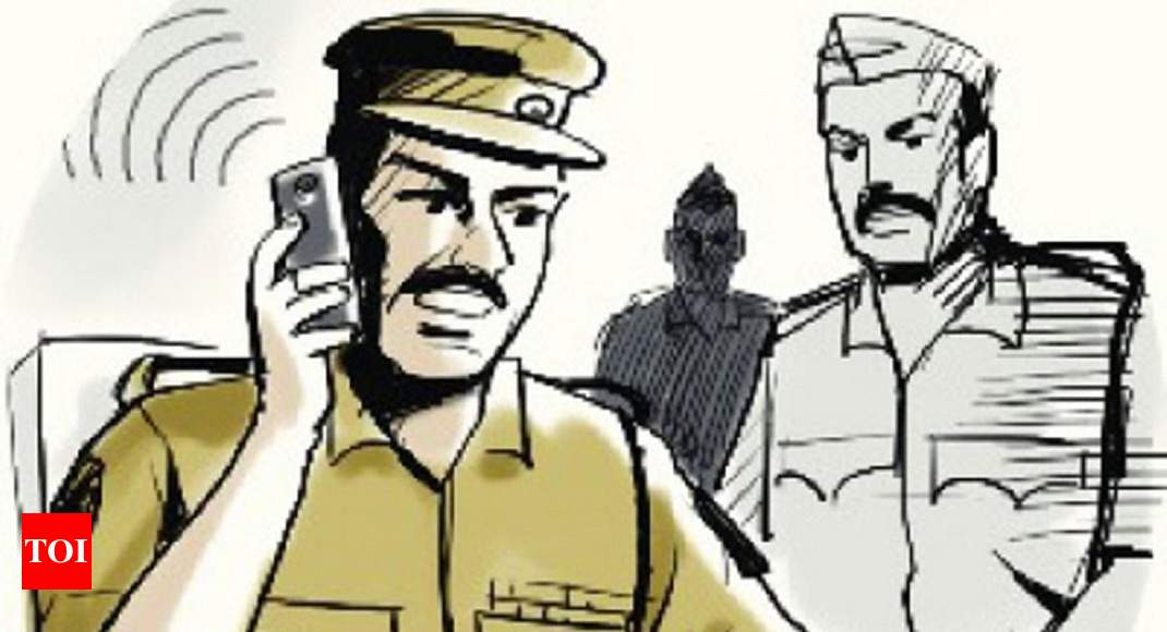 Thane: 2 booked for assaulting auto driver