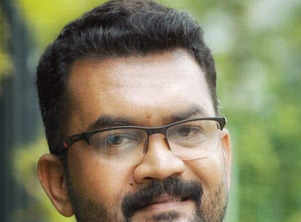 Malayalam industry offers condolences to Shafeer Sait