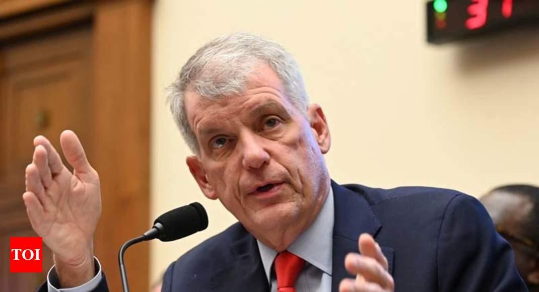 Wells Fargo CEO Tim Sloan steps down after rocky tenure