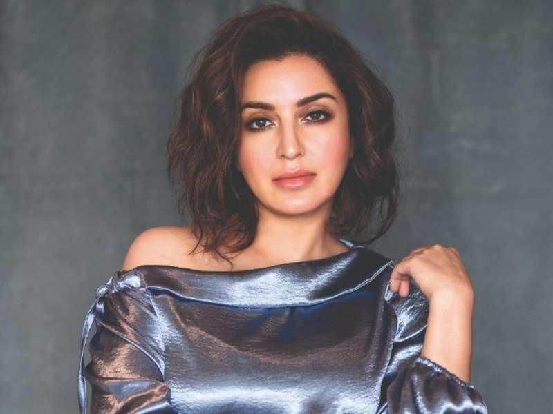 Kareena Kapoor: Tisca Chopra to make a thrilling directorial debut | Hindi  Movie News - Times of India