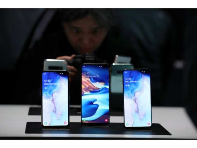 Samsung most popular mobile brand in India followed by Vivo, Oppo: Study