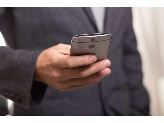 Smartphone brands to boost 2019 digital marketing budget: Report