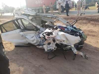 Madhya Pradesh Businessman Two Others Killed In Bmw Car Crash