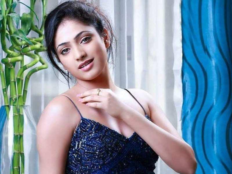 Kannada Heroine Haripriya