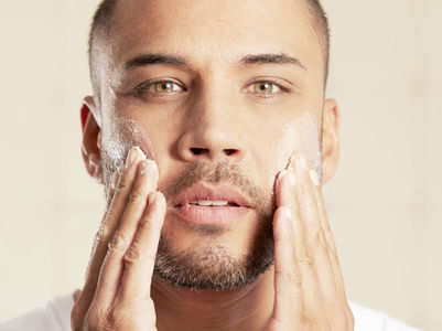 Skincare routine for men in summer