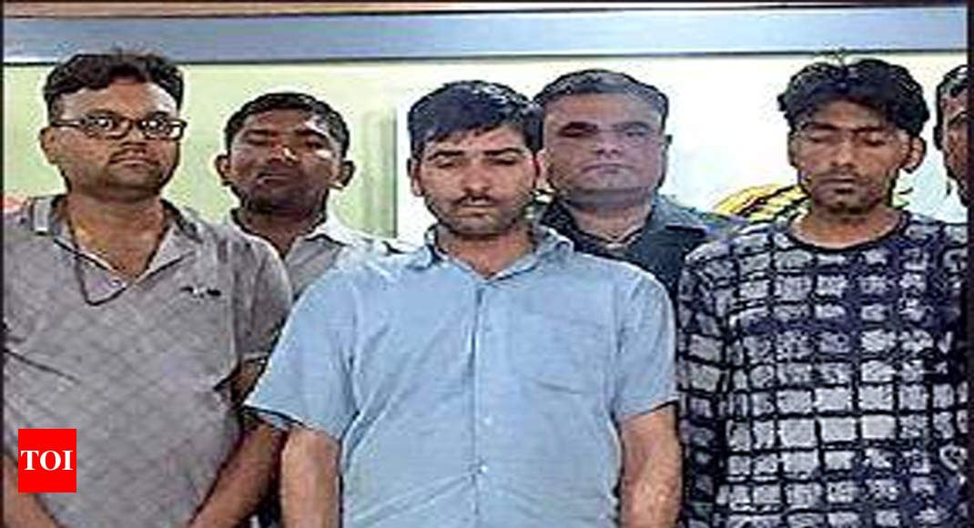 Kashmiri youths among 3 held with 10kg charas