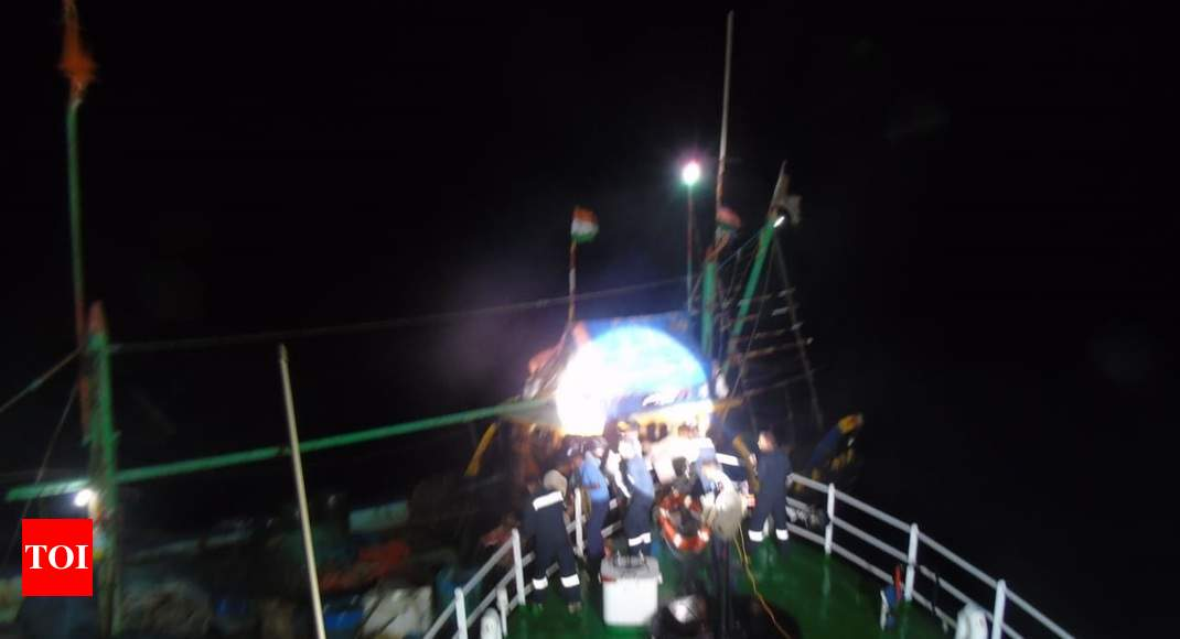 Guj: Coast Guard rescues 8 stranded fishermen