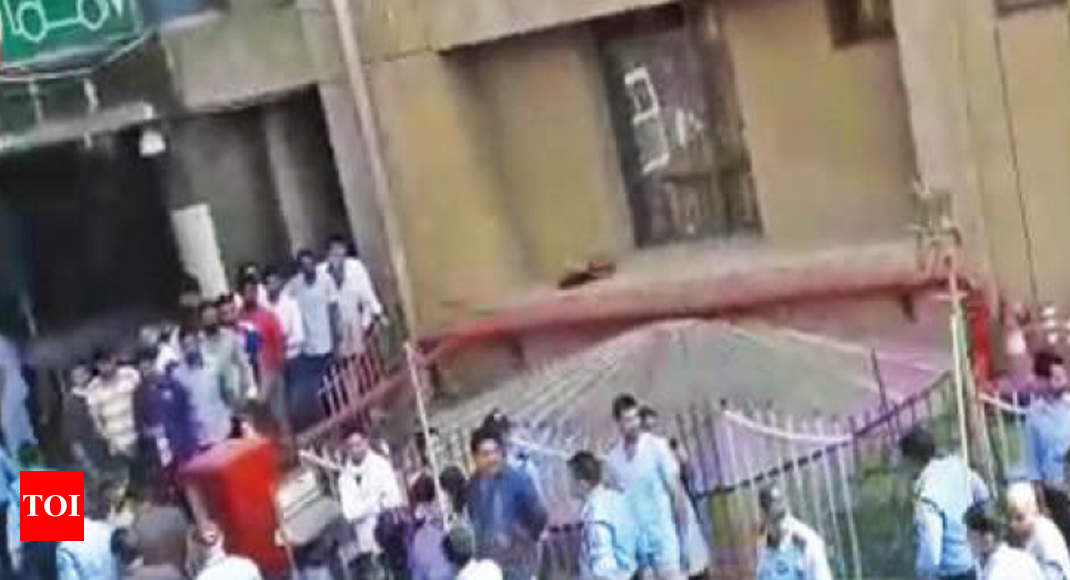 Patient's Kin Claim Assault By Bouncers At Aiims | Delhi News