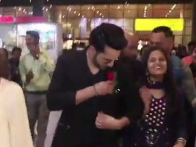 When a fan offered Varun Dhawan a rose