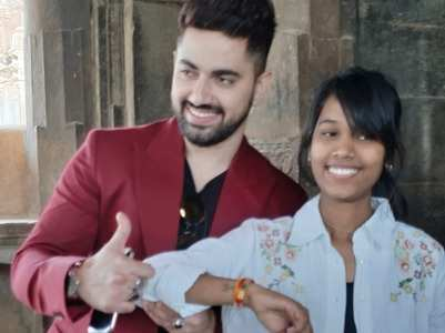 PICS: Zain Imam's fan inks his name