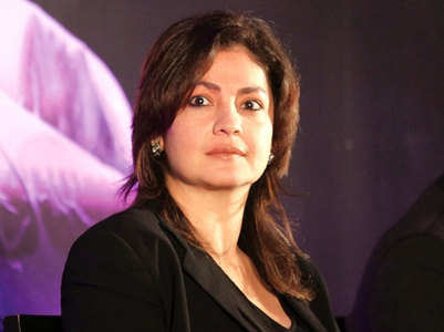 Pooja Bhatt takes a shot at Randeep Hooda