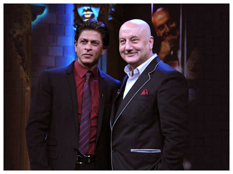 Shah Rukh Khan and Anupam Kher's sweet chat on Twitter will brighten up your day