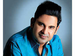 Manoj Muntashir: There's no harm in being flexible as long as the respect of the pen stays uncompromised