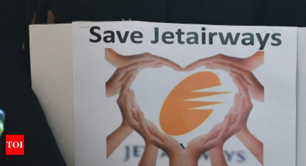 Jet Airways employees seek President's intervention for salary dues, emergency funds - Times of India