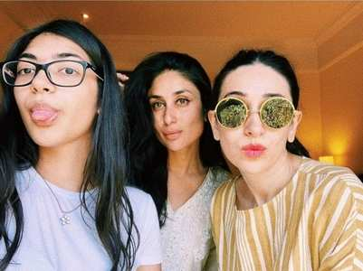 Pic: Karisma poses with Kareena & Samiera