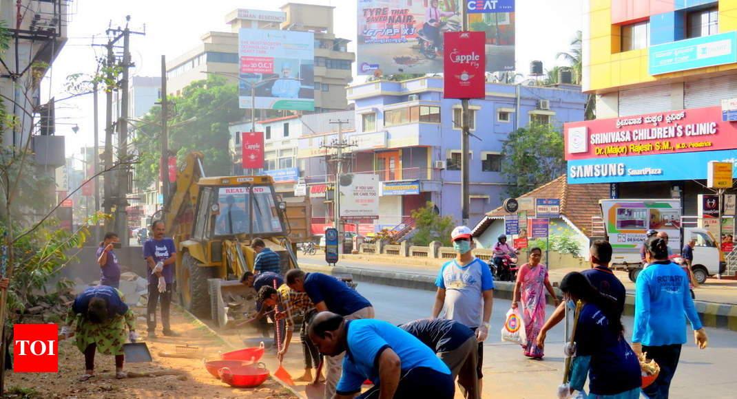 Shramadan By Volunteers Helps Clean Up Bendoorwell Area Of Mangaluru