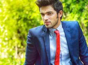 Parth returns to work after father's last rites