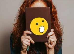 7 amusing habits of possessive book lovers