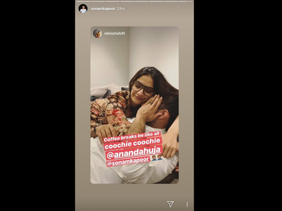 Sonam shares a mushy pic with hubby Anand
