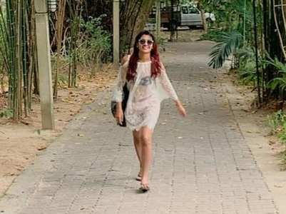 Sriti Jha enjoys her vacation in Thailand