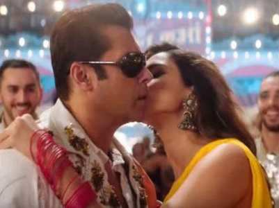 Salman and Disha goes 'Slow Motion'