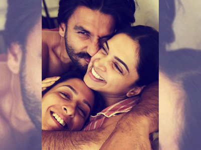 ​Pic: It's cuddle time for Ranveer-Deepika