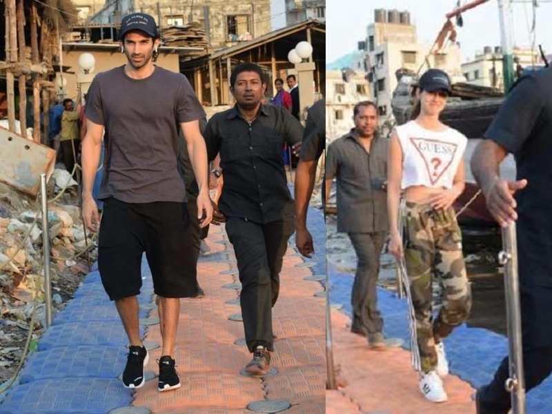 Disha Patani And Aditya Roy Kapur Snapped As They Head To The Shooting Location Of Mohit Suri S Malang Hindi Movie News Times Of India