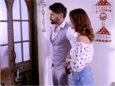 KB: Abhi-Rhea reach Pragya's house