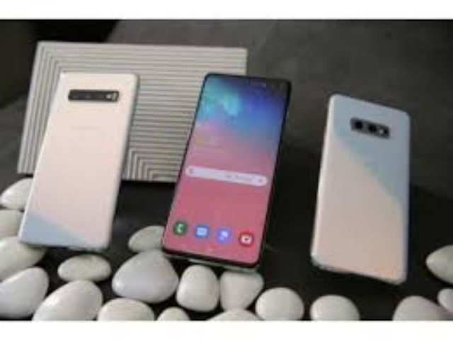 Samsung's new affordable Galaxy S10e smartphone is available at 'lowest-ever' price