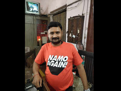 Allahabad: NaMo t-shirts' sale picks up but less takers for