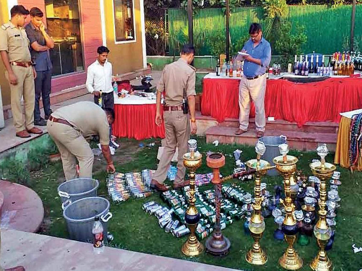 Rave Party In Noida Farmhouse In Noida Raided For Rave Party 192 Arrested Noida News Times Of India