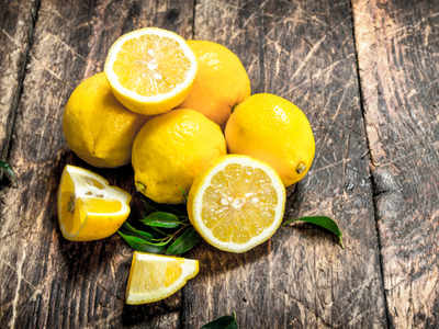 Here's how lemon helps in removing skin tanning