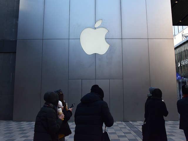 US Supreme Court allows anti-trust suit against Apple