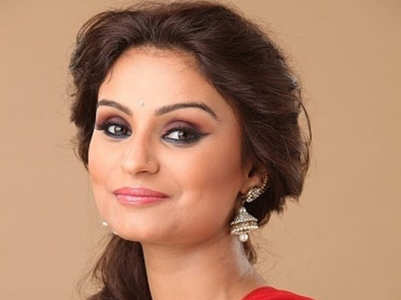 Remember Dimpy Ganguly? She is painting the Instagram red with her happily ever after pictures