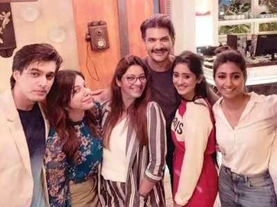 Shivangi-Mohsin enjoy with their friends