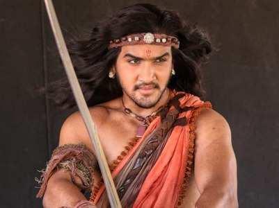 Faisal shares new look as Chandragupta